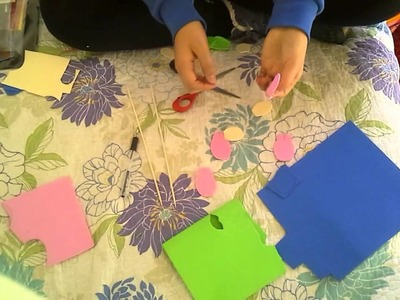 Como hacer flores de goma eva faciles