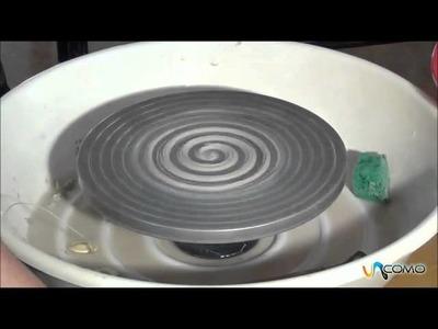 Preparar un torno de barro usado para otras pellas - Curso cerámica