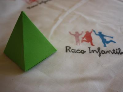 Cómo hacer una pirámide en Origami
