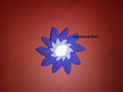 Flor de cinta zig-zag.