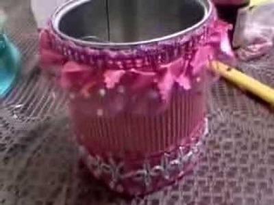 Bote de leche adornado reciclado