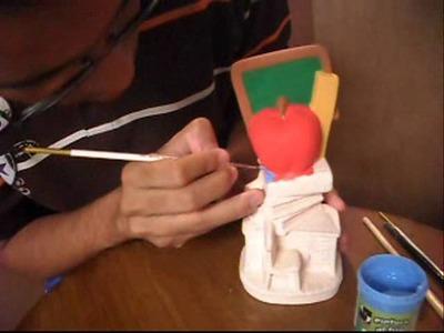 Como pintar una figura de ceramica.