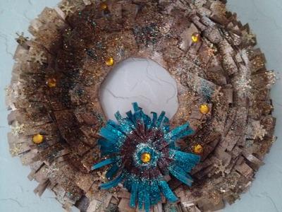 DIY Corona Navideña de periodico. Christmas Wreath using newspaper