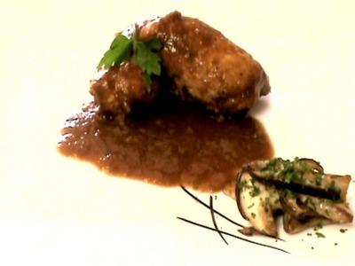 Pechugas de pollo en salsa - Chicken breasts in a mushroom & veggie sauce