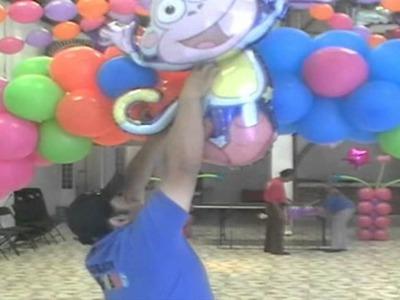 Arco con globos estilo flores de colores
