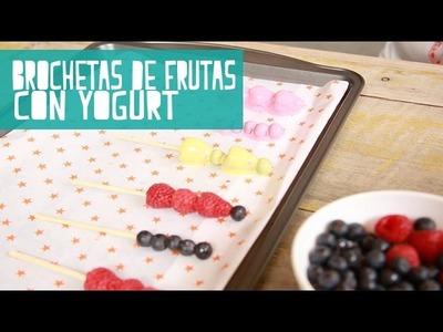 Brochetas de Frutas Con Yogurt (Juno)