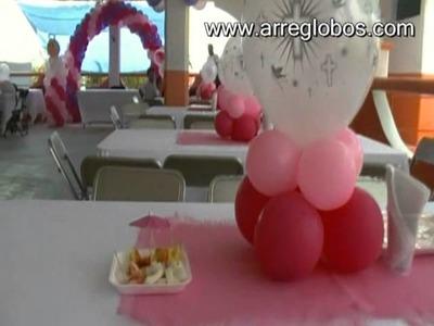 Decoración con globos para bautizo niña