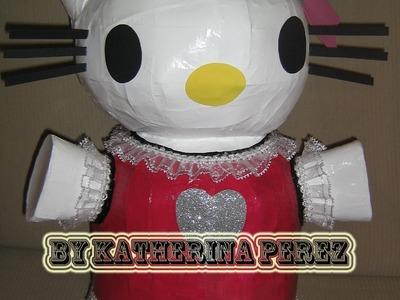 Como hacer una pinata de Hello Kitty parte 2