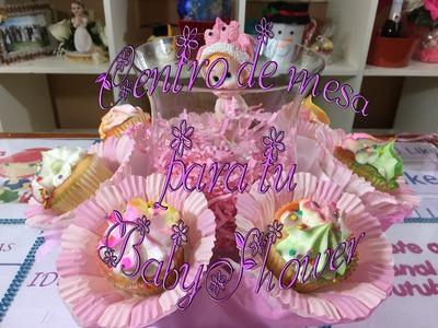 Centro de mesa  para babyshower con cupcakes
