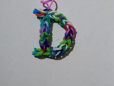 Letra D hecha con gomas elasticas sin telar, solo necesitas gomitas y ganchillo