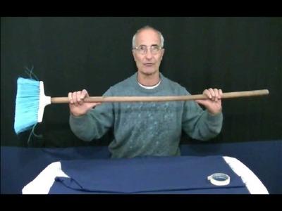Levitacion sobre una escoba (Truco revelado)--Levitation on a broomstick (Trick revealed)