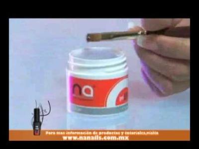 Aprende a diseñar y decorar tus uñas con Na, Tecnica enseñada Daisy