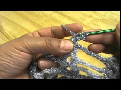 Chaleco o torera a crochet color plateado. 2a. de 3 partes.