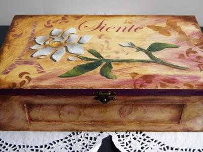 Como estarcir sobre madera. Flor magnolia. La Preferida. Arteterapia.