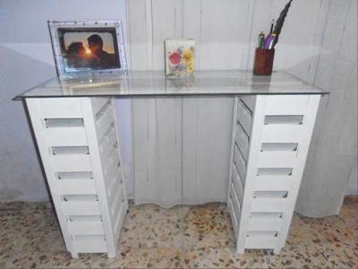 DIY ¡Mesa o escritorio con cajas de fresas recicladas!
