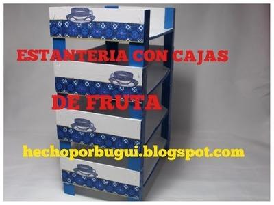 Como hacer una estantería con cajas de fruta. Organizador DIY