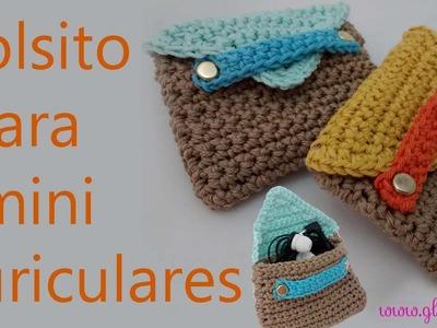 Bolsito de ganchillo para guardar auriculares. Crochet bag for headphones.