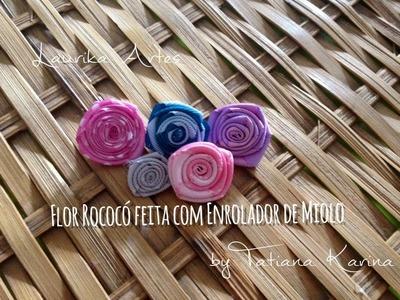 Flor rococó feita com enrolador de miolo by Tatiana Karina