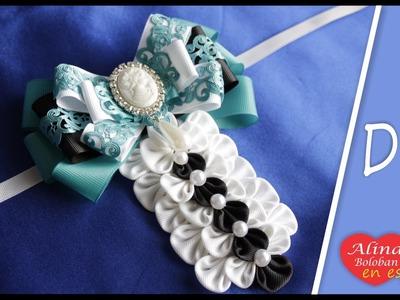 La broche corbata para el Día de los Conocimientos el 1 de Septiembre