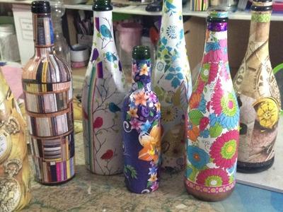 Decorando las botellas de vino con papel
