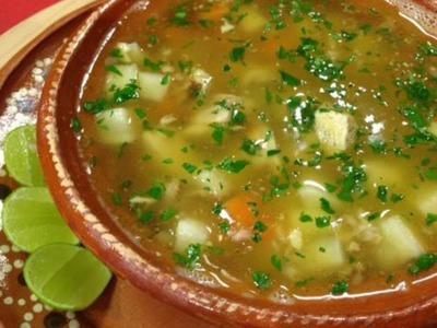 Cómo hacer una exquisita sopa de pollo