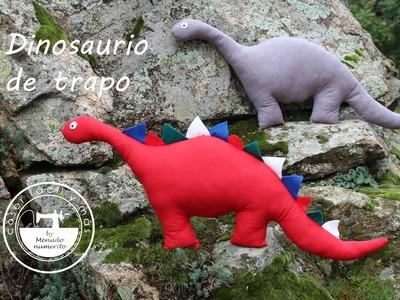 Dinosaurio de trapo o peluche
