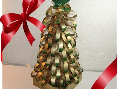 Arbol navideño con tubos de papel higienico