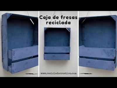 Cómo hacer un estante decorativo con dos cajas de fresas de madera