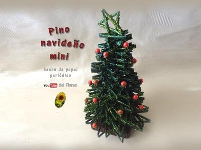 Pino navideño mini, hecho de papel periódico - mini Christmas trees made of newspaper