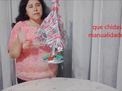Arbol de navidad reciclado de papel---  Paper christmas tree