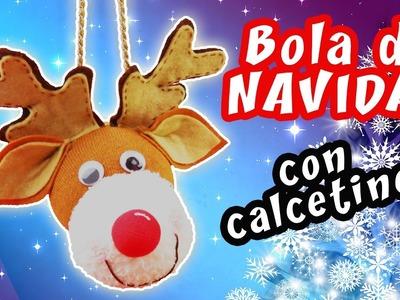 BOLA DE NAVIDAD CON CALCETINES - IDEA FÁCIL PARA NAVIDAD | Manualidades aPasos