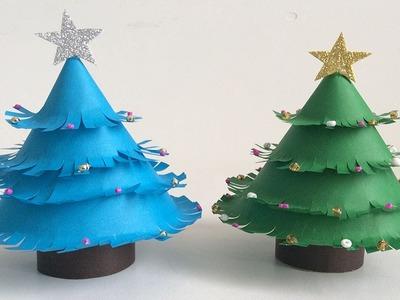 Paper Christmas tree.  Árbol de navidad de papel. Decoraciones navideñas. Christmas decorations.
