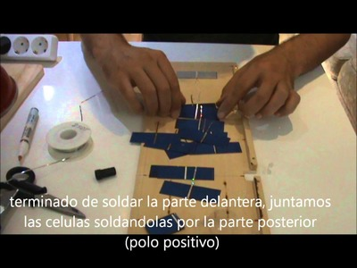COMO CONSTRUIR UN MINI PANEL SOLAR CASERO CARGADOR SOLAR PORTABLE BARATO PARA MOVIL PARTE 1 DIY