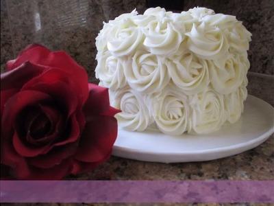 Cómo Forrar un Pastel Con Rosas De Crema Muy Fácil