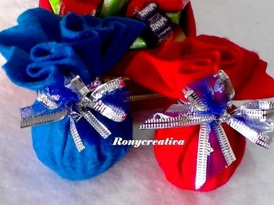 Adornos navideños - esferas con flor de Navidad- decoración navideña con material reciclado