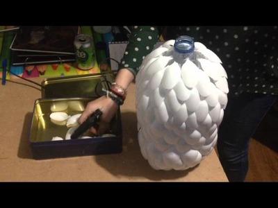 Cómo hacer una LAMPARA MINIMALISTA con cucharas de plástico!