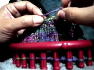Calcetín o PANTUFLA en Telar Knifty kniter rojo Parte 1 de 2