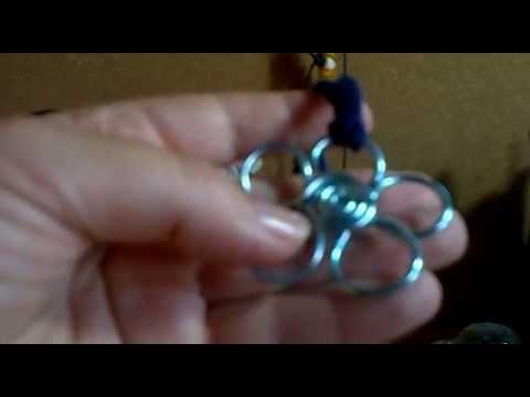 Collar flor azul crochet y alambre de aluminio