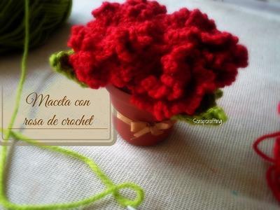 Maceta con rosas de crochet: Día de las madres
