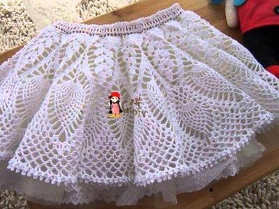 Falda con arandelas tejida a crochet para niñas