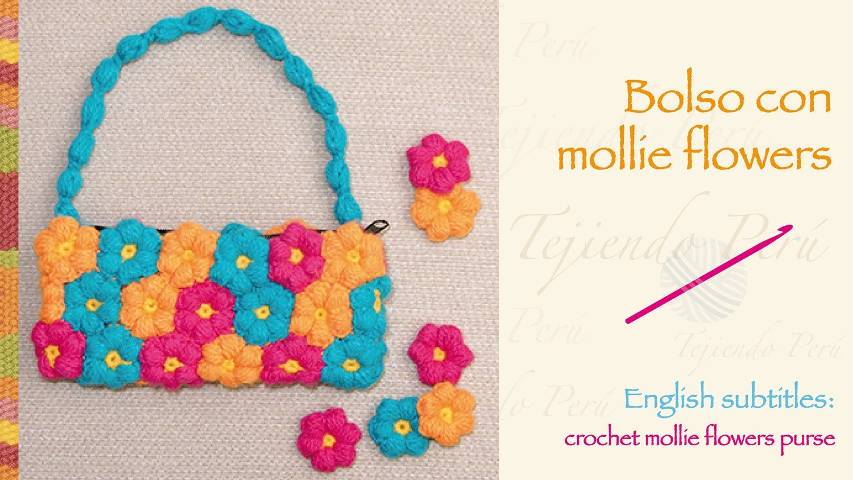 Bolso con mollie flowers tejidas a crochet