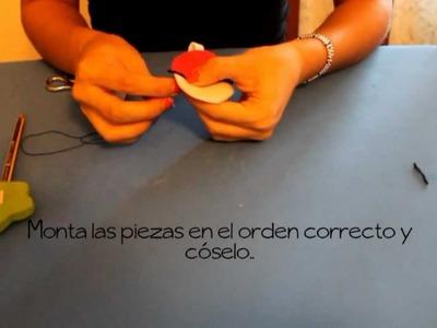 Tutorial | Llavero: Pokeball de fieltro rellena de guata. DIY.