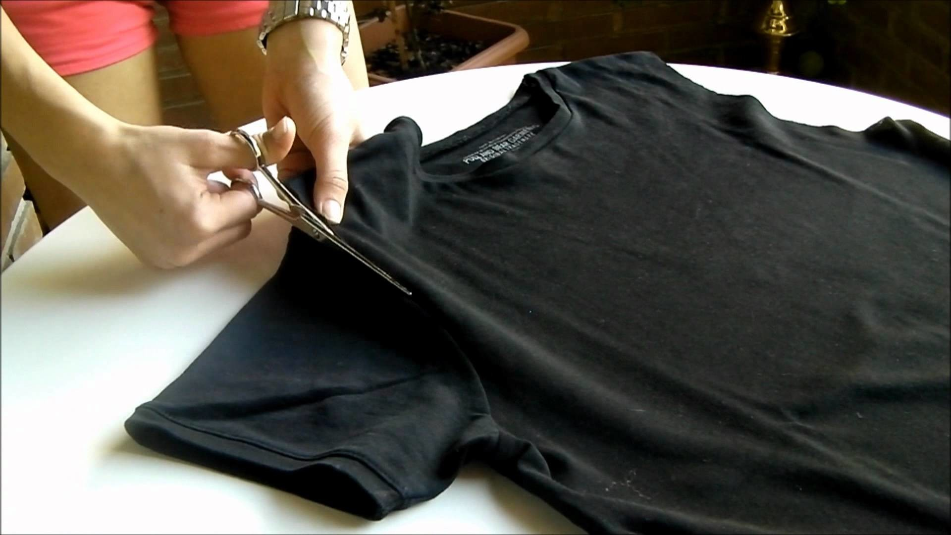DIY: Cross T-shirt