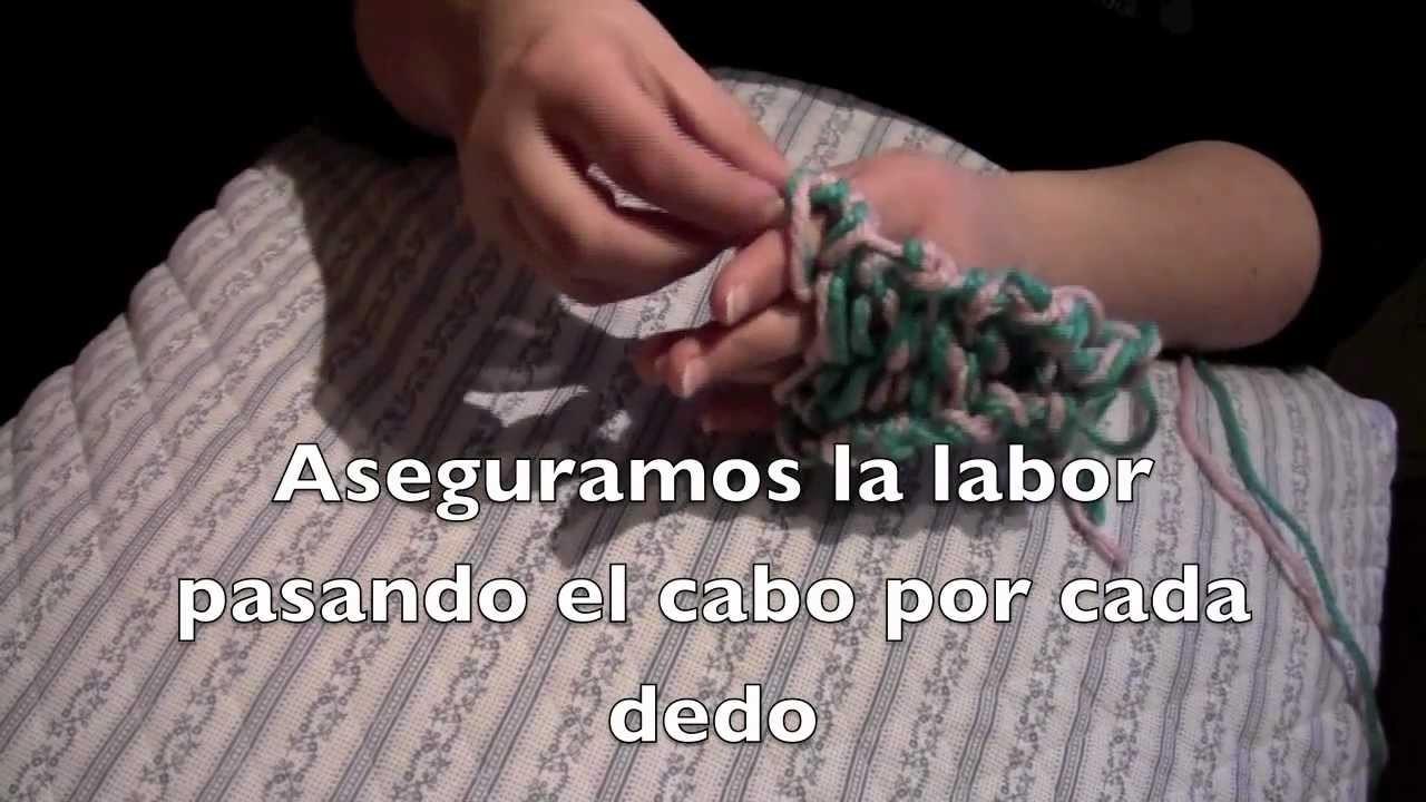 Haz una bufanda tejiendo con los dedos