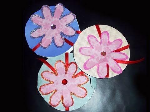 Tarjeteria: cómo hacer una tarjeta circular con una flor estilo scrapbook