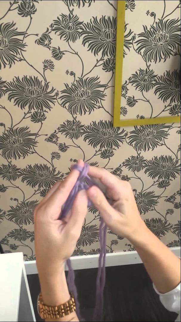 Truco Knitting Point 19: Tejer Cordones de lana con los dedos