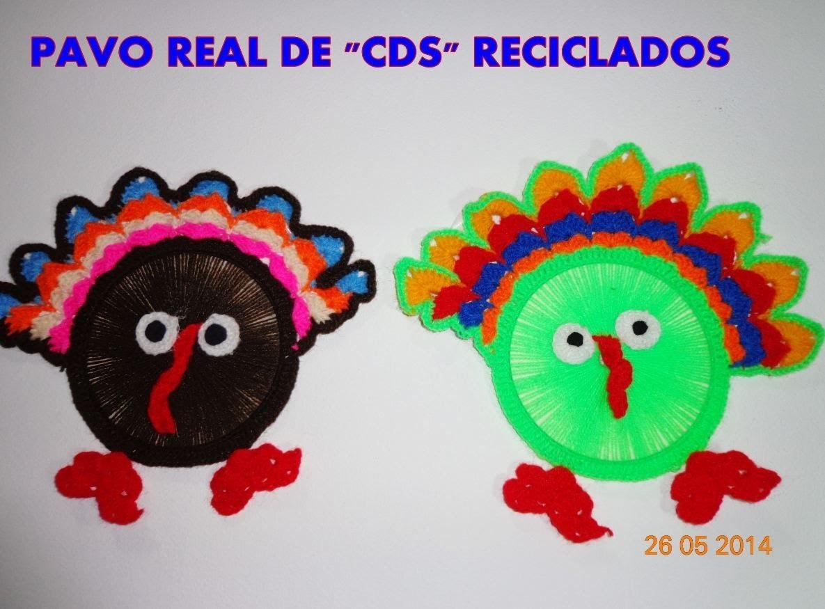 "PAVO REAL DE "" CDS "" RECICLADOS TEJIDO A CROCHET"