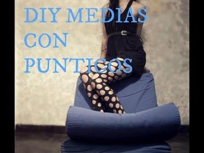 DIY Medias con lunares