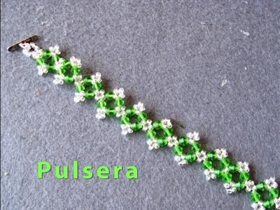 # DIY - Pulsera de florecitas Muy facil # DIY - Flower Bracelet