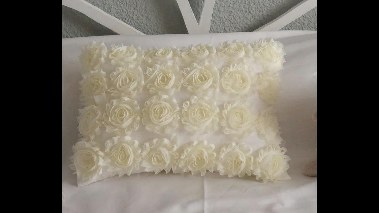 Hacer un cojin con cinta de flores - make a cushion with flowers tape